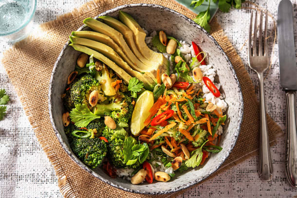 Vegane Bowl nach Thai-Art