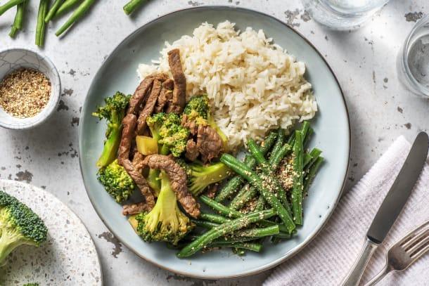 Caloriearme recepten - Balinese wokschotel met broccoli en biefstukpuntjes
