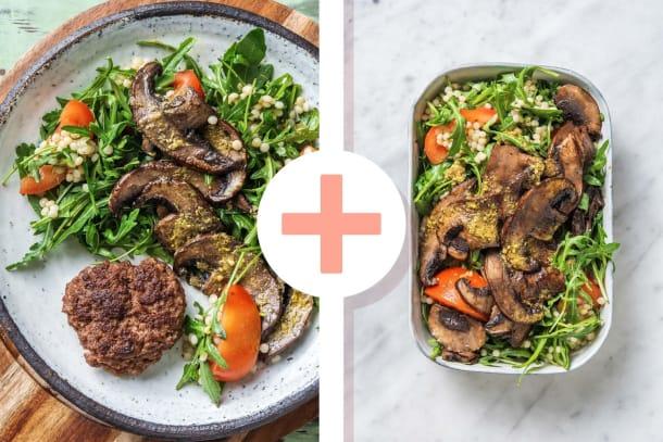 Parelcouscoussalade met Duitse biefstuk en pestodressing