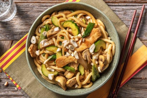 Recettes rapides - Nouilles udon au poulet et sauce asiatique douce