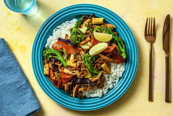 Low Calorie Meals - Chicken, Sriracha & Rainbow Vegetable Stir Fry