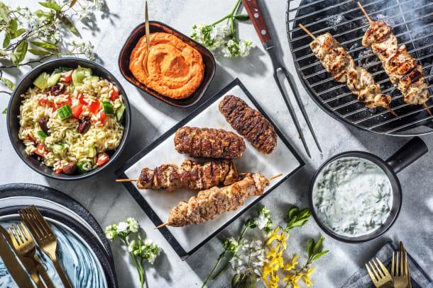 Griechische Grillplatte mit Bifteki