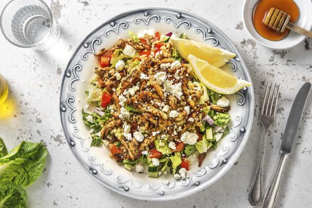 Griekse salade met kippendij