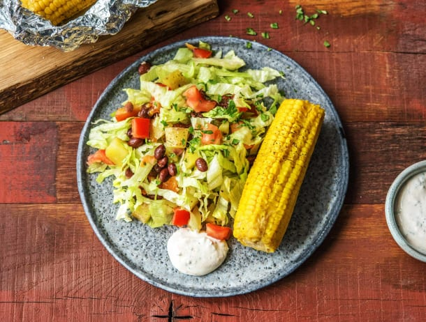 Mexicaanse salade met mais en zwarte bonen