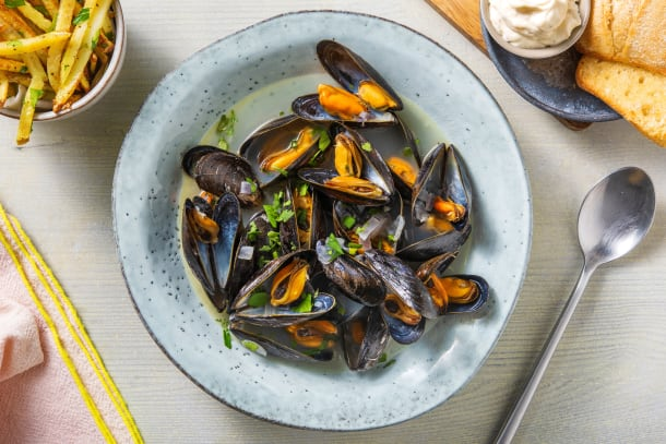 Quick Dinner Ideas - Mussels in a Aromatic Broth