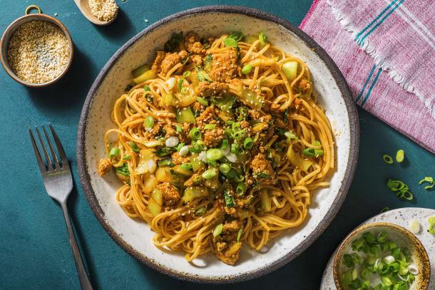 Low Calorie Meals - Sriracha Pork Noodles