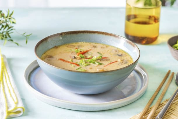 Tom Kha Gai! Thailändische Suppe