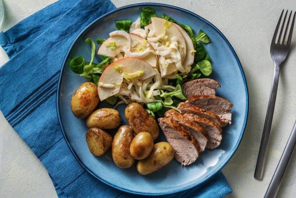 Snelle gerechten - Varkenshaas met witlof-appel salade