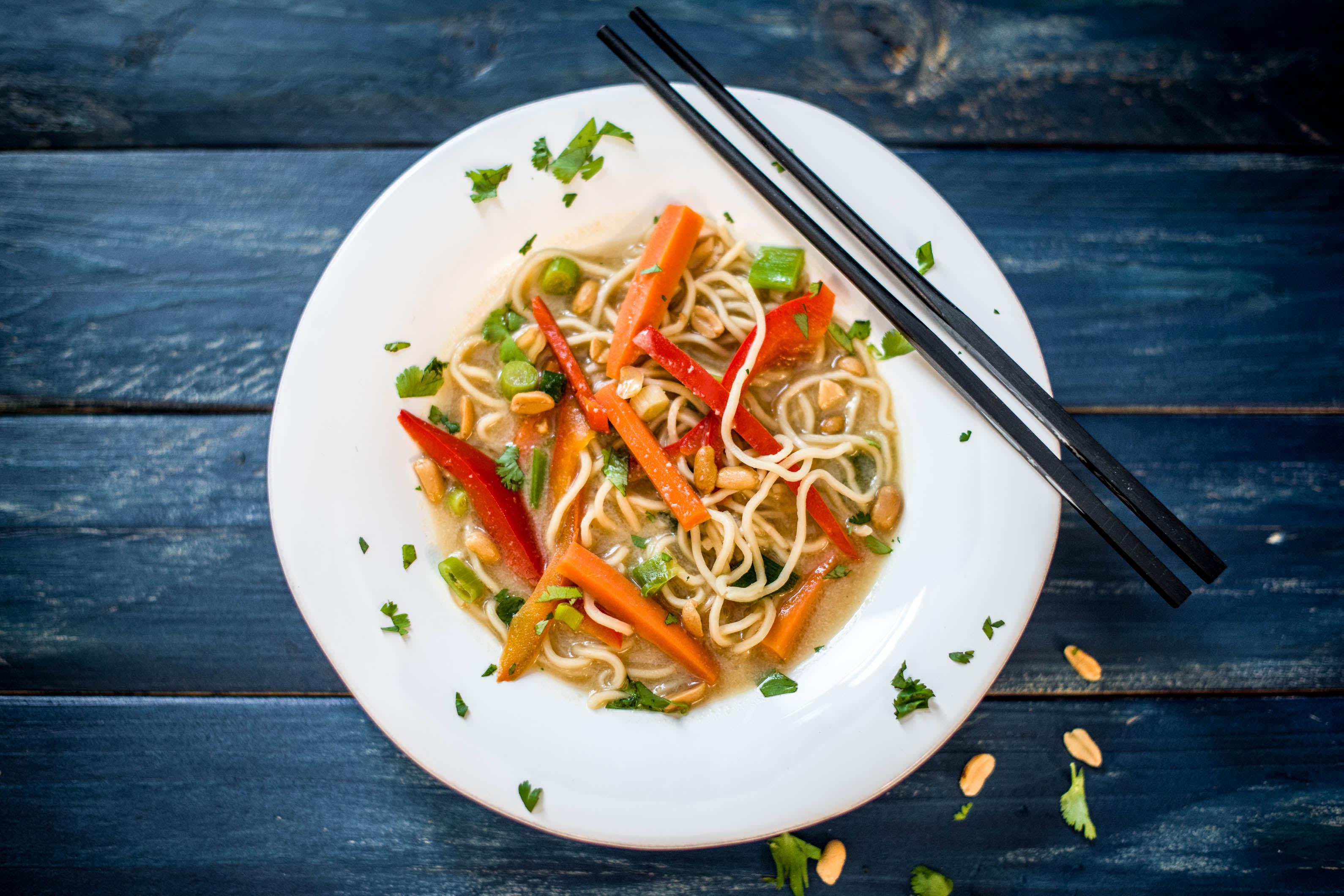 Erdnussliebe! - Asiatische One-Pot-Pasta