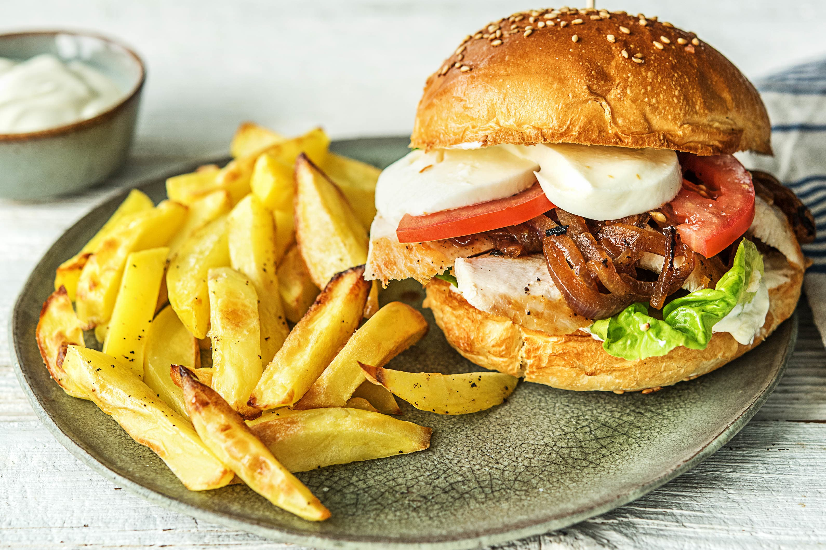 Hähnchen-Burger mit Mozzarella