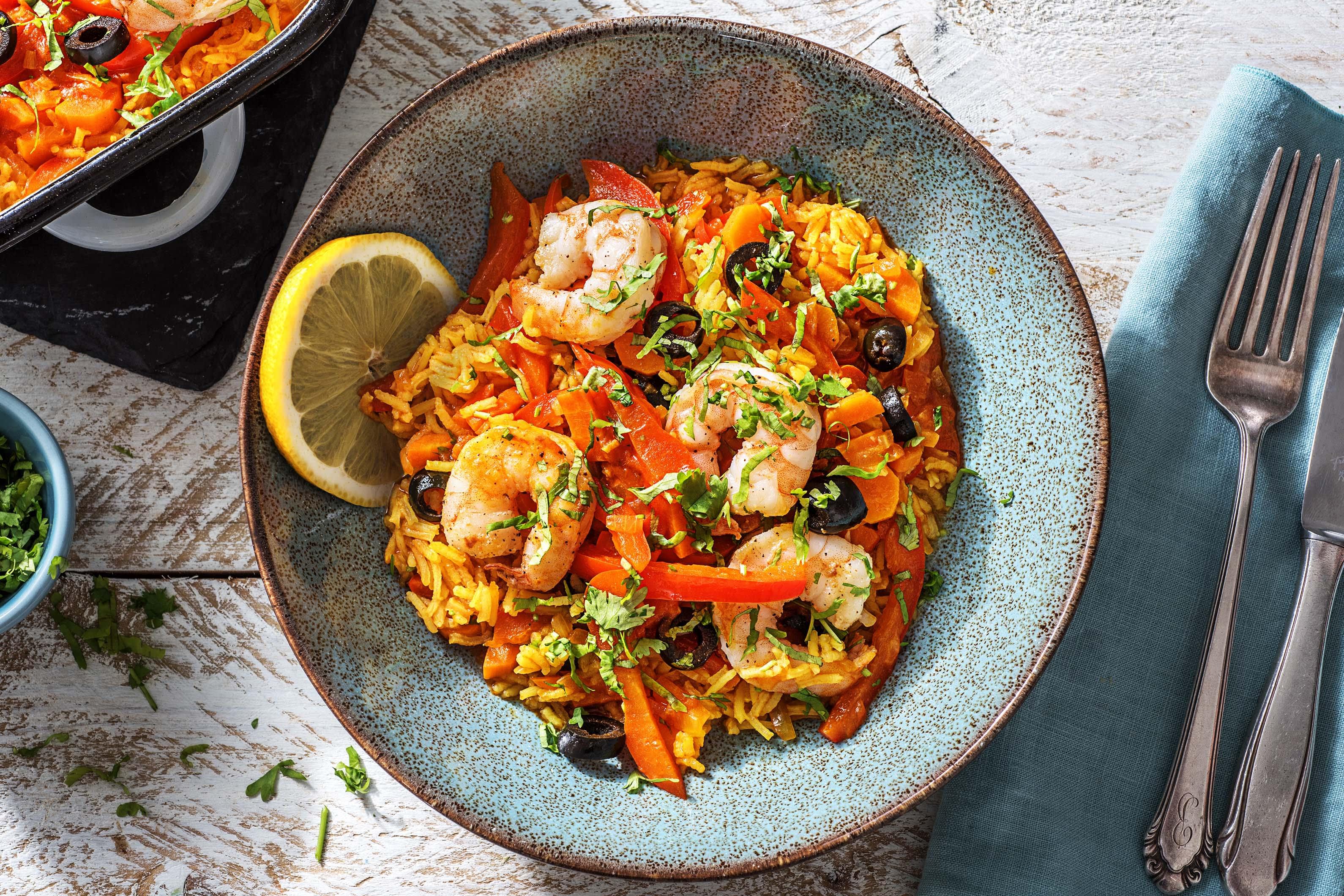 Plat de riz aux crevettes à l'espagnole
