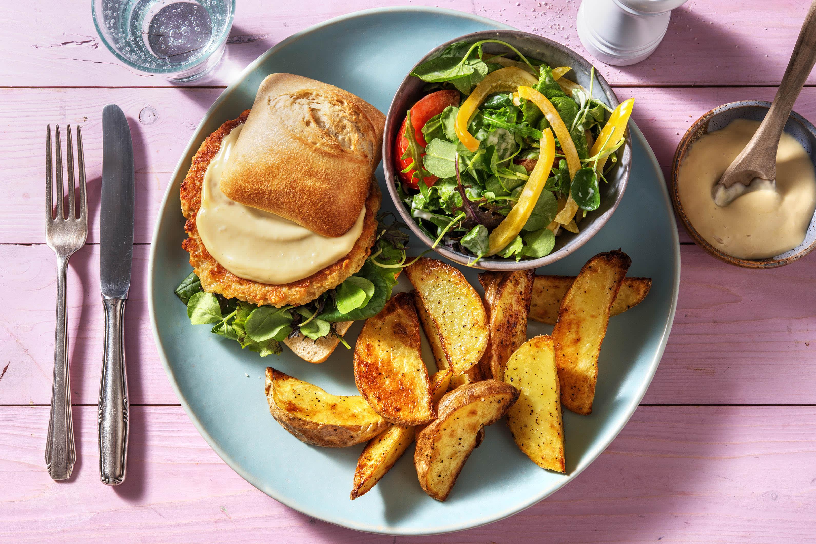 Burger végétarien Boekoeloekoe et omelette