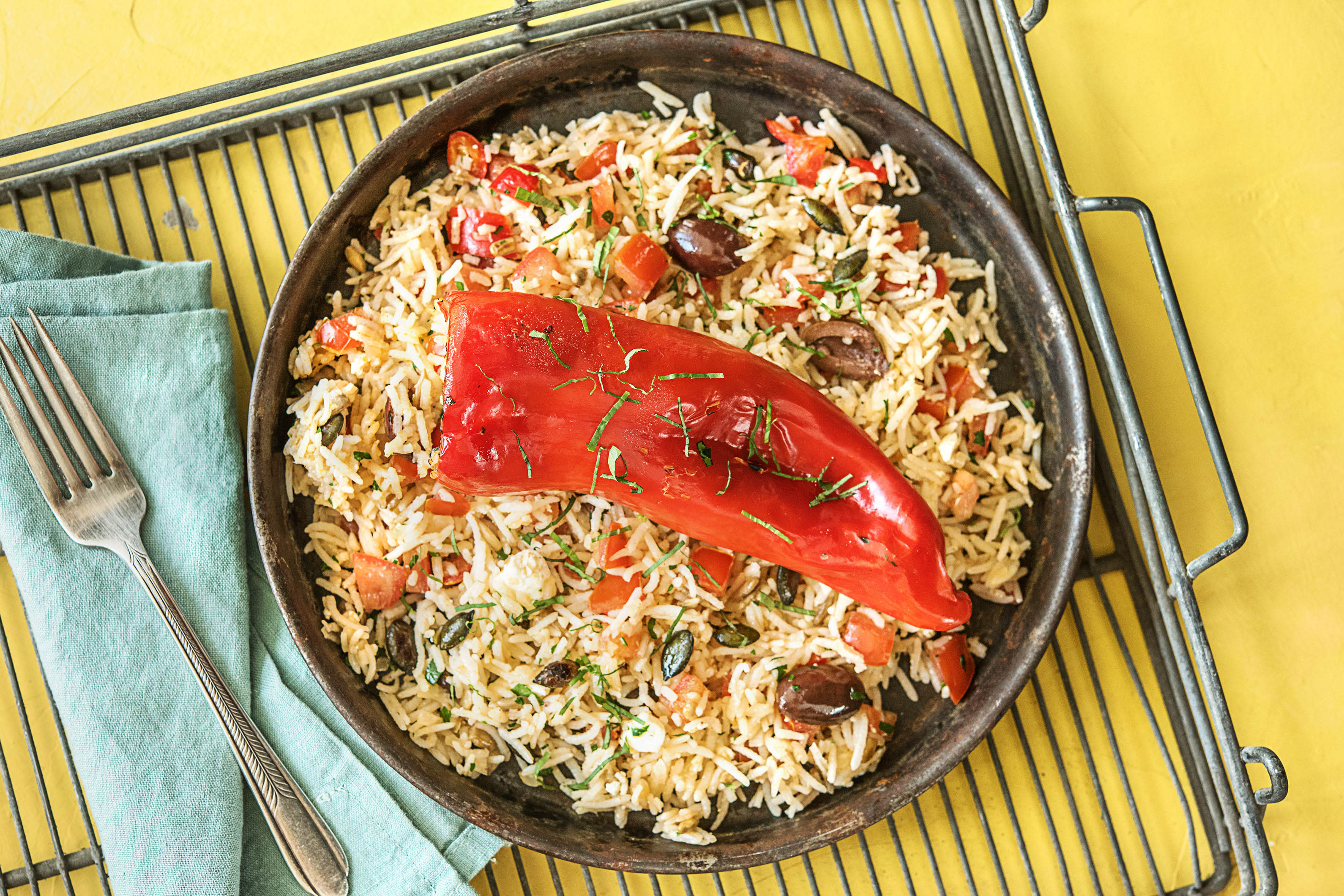 Gevulde puntpaprika met rijst en feta