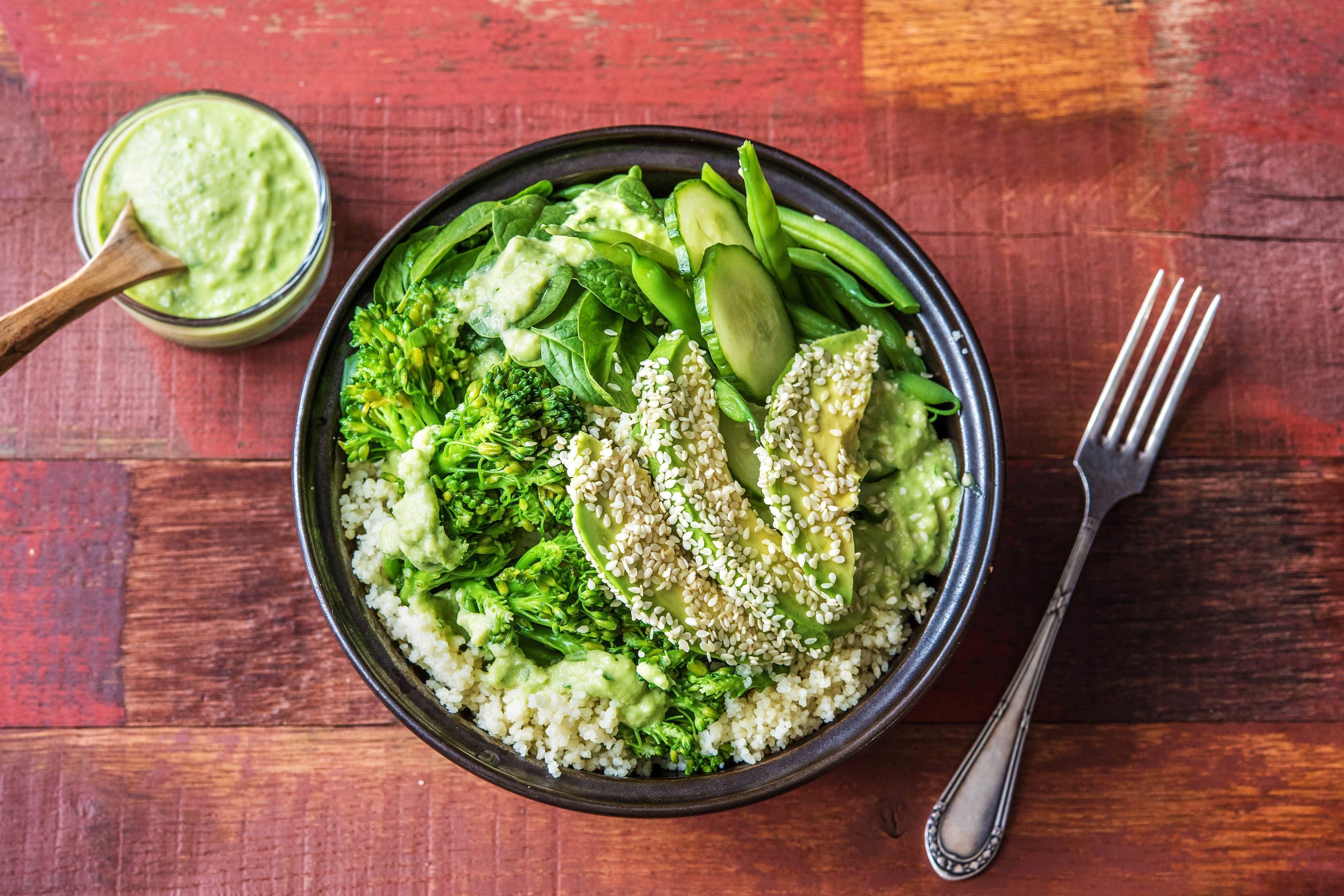 Green-Bowl mit Brokkolini