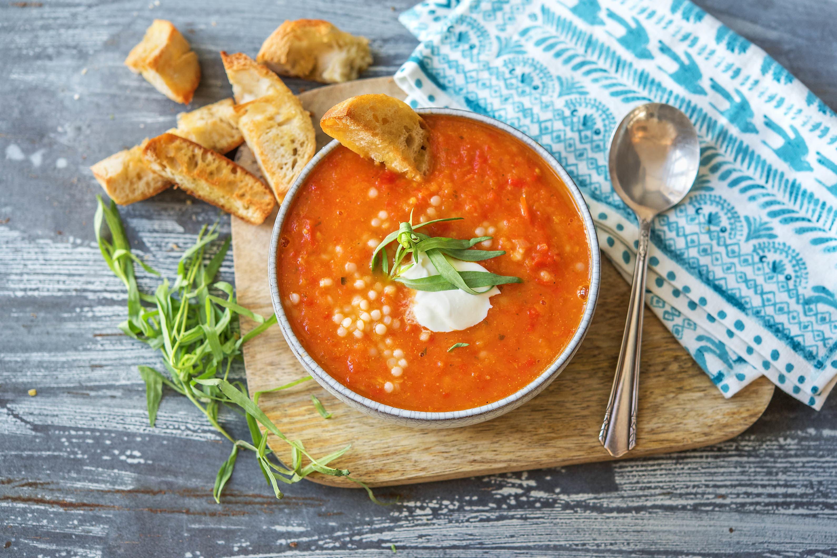 Soupe de tomate, abricot et poivron à l'estragon
