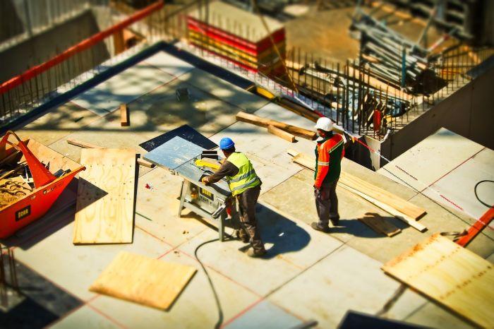 Logements: les permis de construire chutent de nouveau en février!