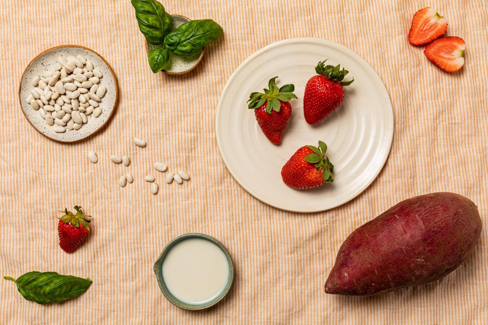 Yumi Strawberry Basil Pie ingredients image