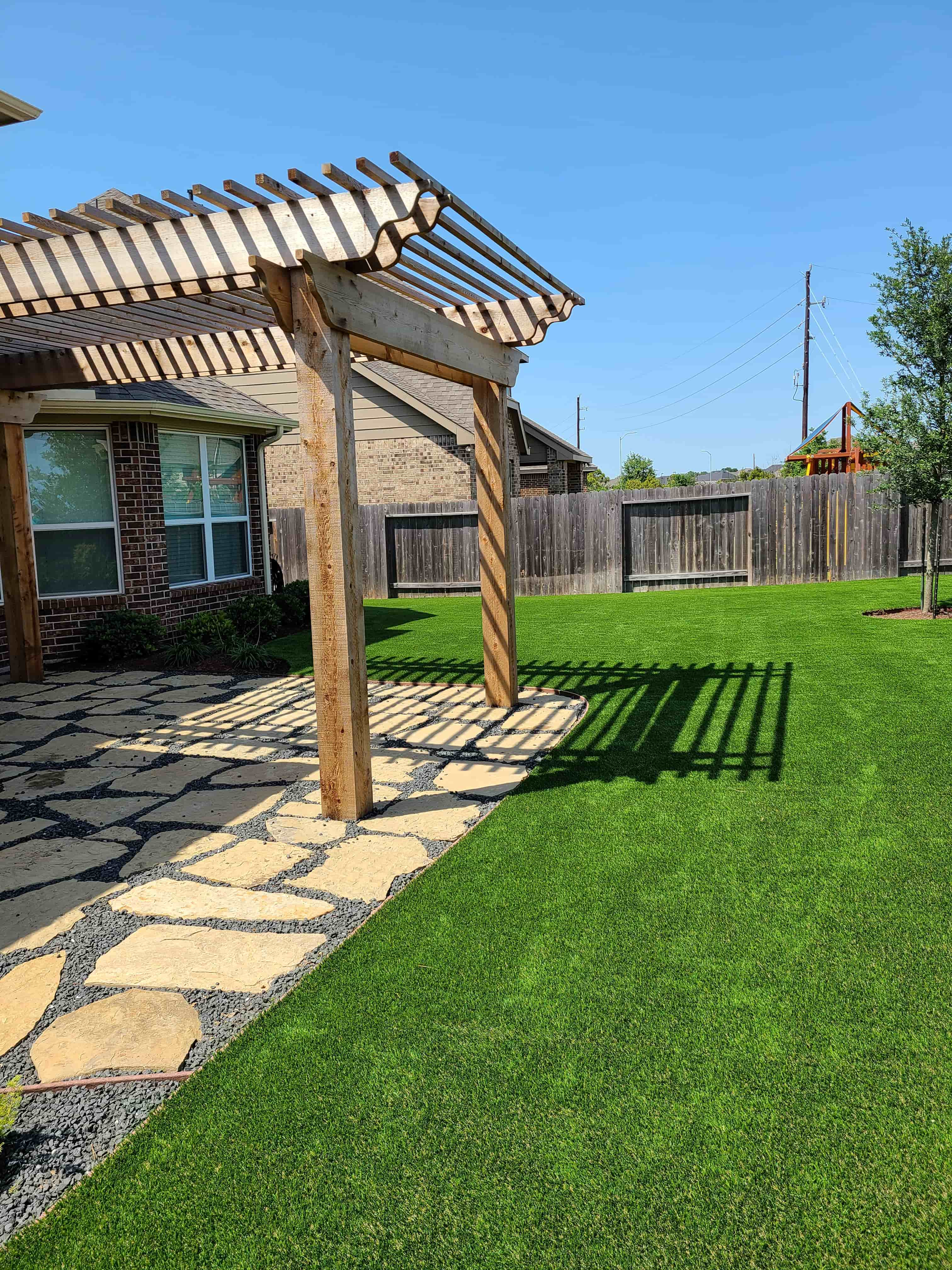 helms-landscape-synthetic-turf10