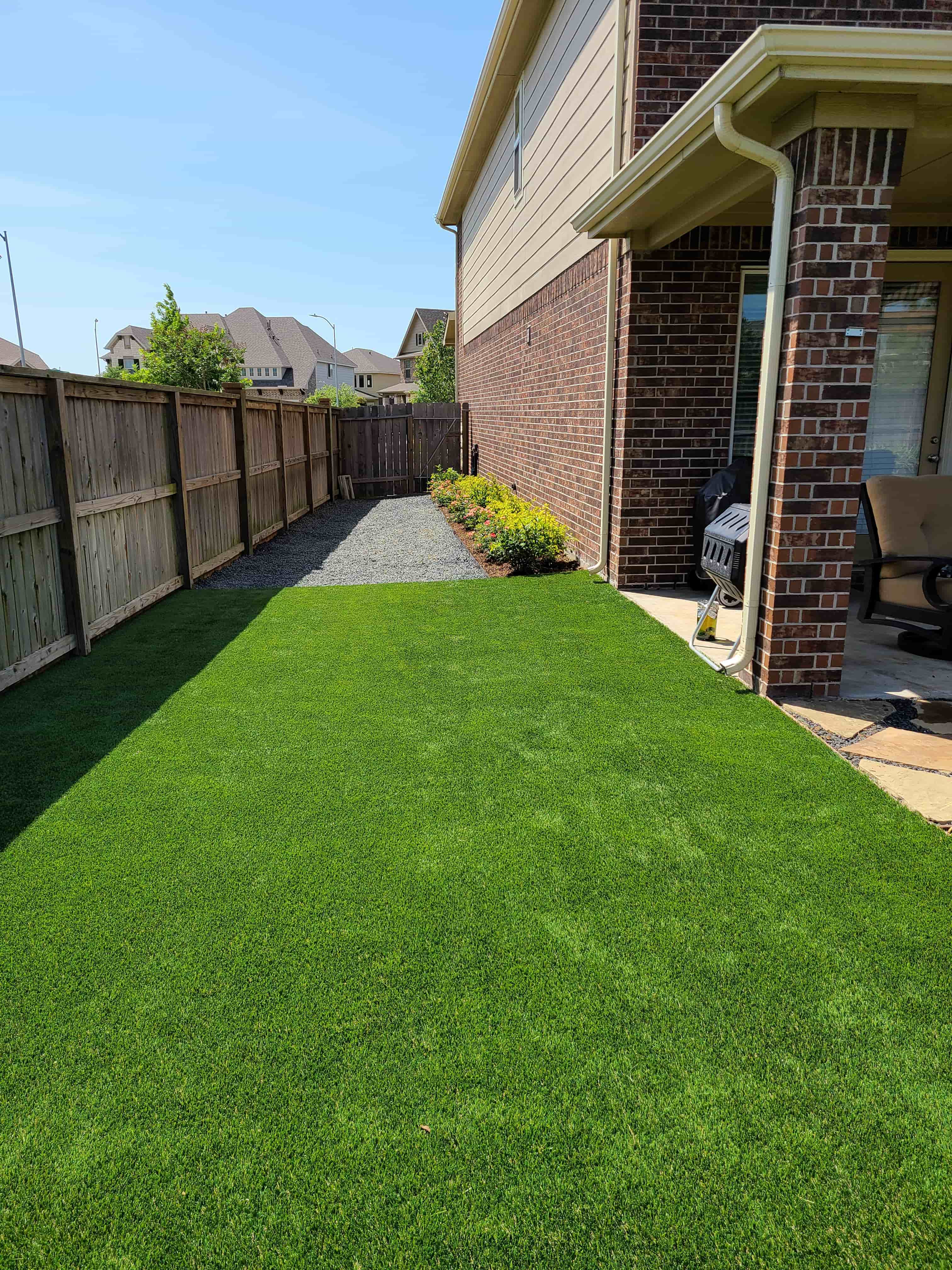 helms-landscape-synthetic-turf12