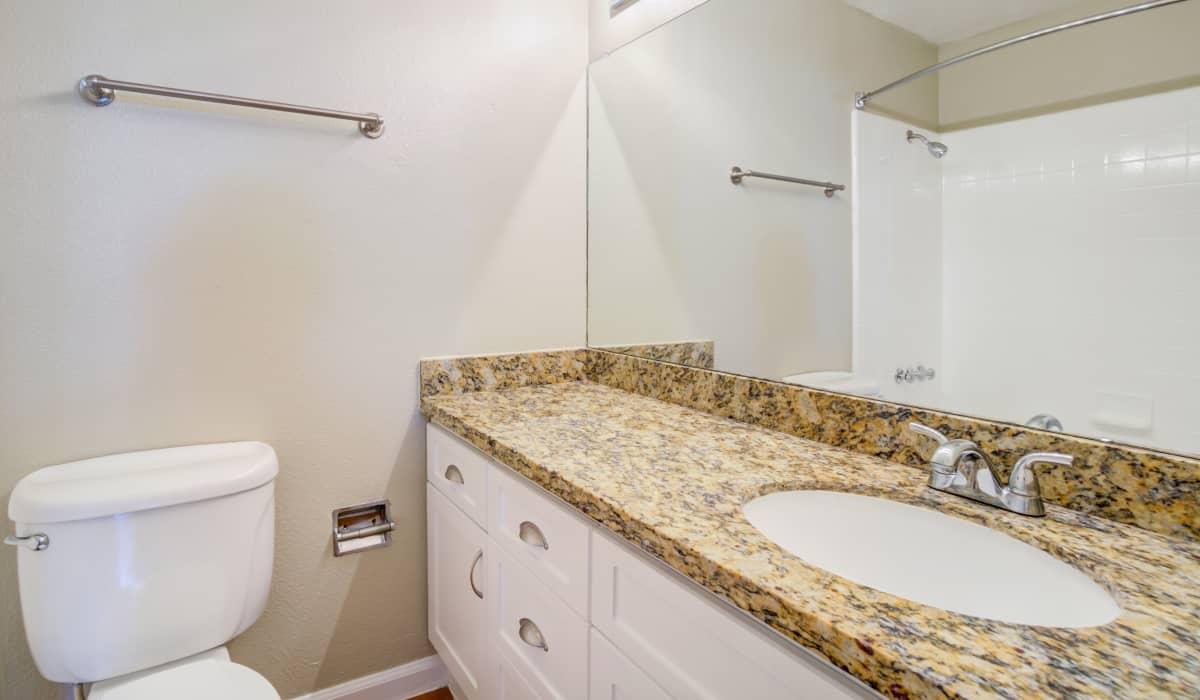 Parker Palo Alto Apartment Bathroom