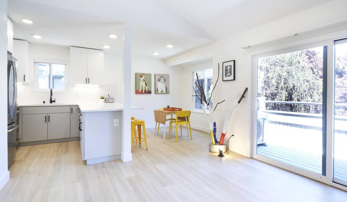 Boardwalk Apartment Kitchen & Dining Room
