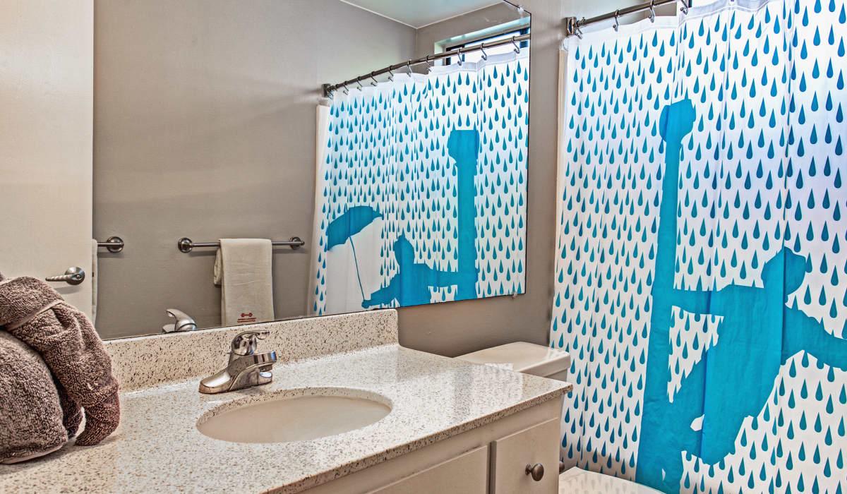 Boardwalk Apartment Bathroom