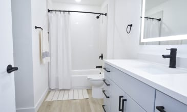 Boardwalk Apartment Bathroom
