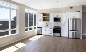 The Benton Apartment Dining and Kitchen