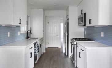 Holloway Apartment Kitchen