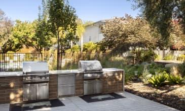 Holloway Outdoor Kitchen