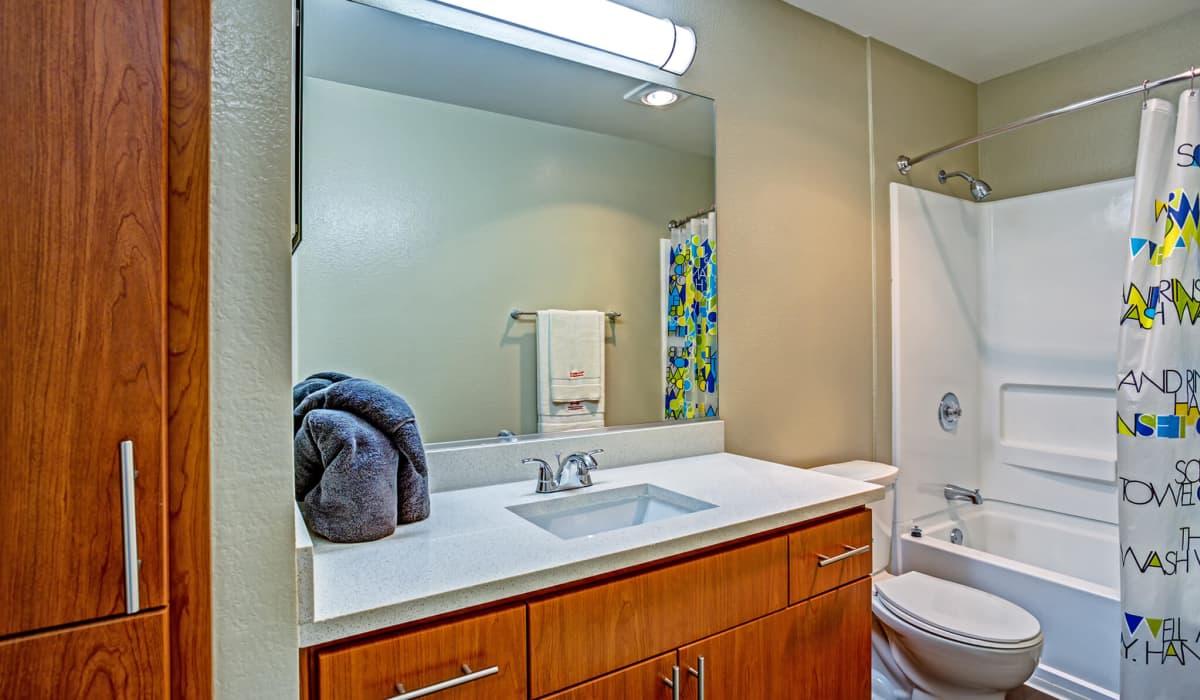 Alderwood Apartment Bathroom