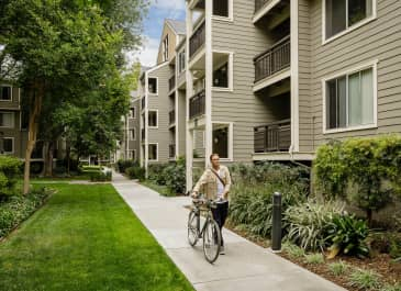Orchard Glen Apartments