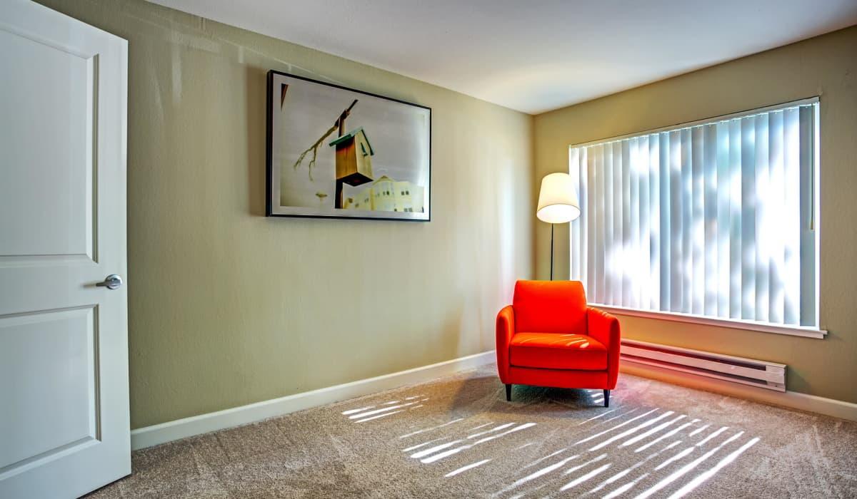 Alderwood Apartment Bedroom
