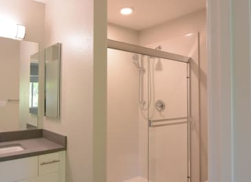 Forest Glen Unit Bathroom