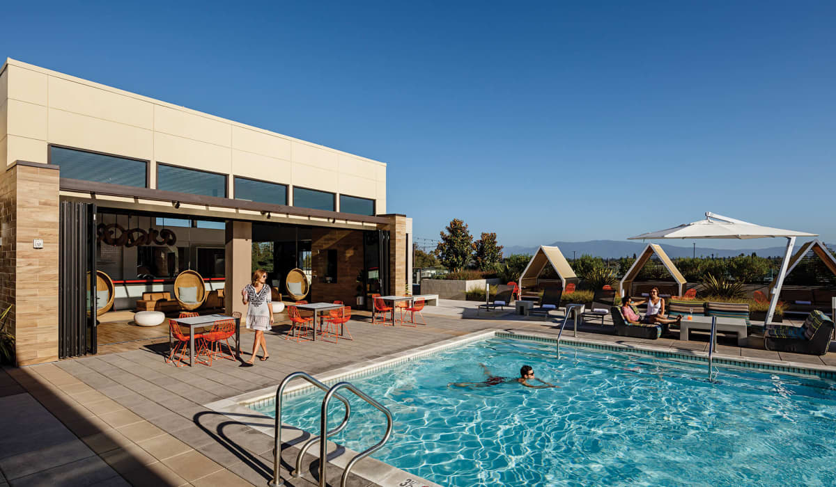 Hearth Rooftop Clubhouse & Pool