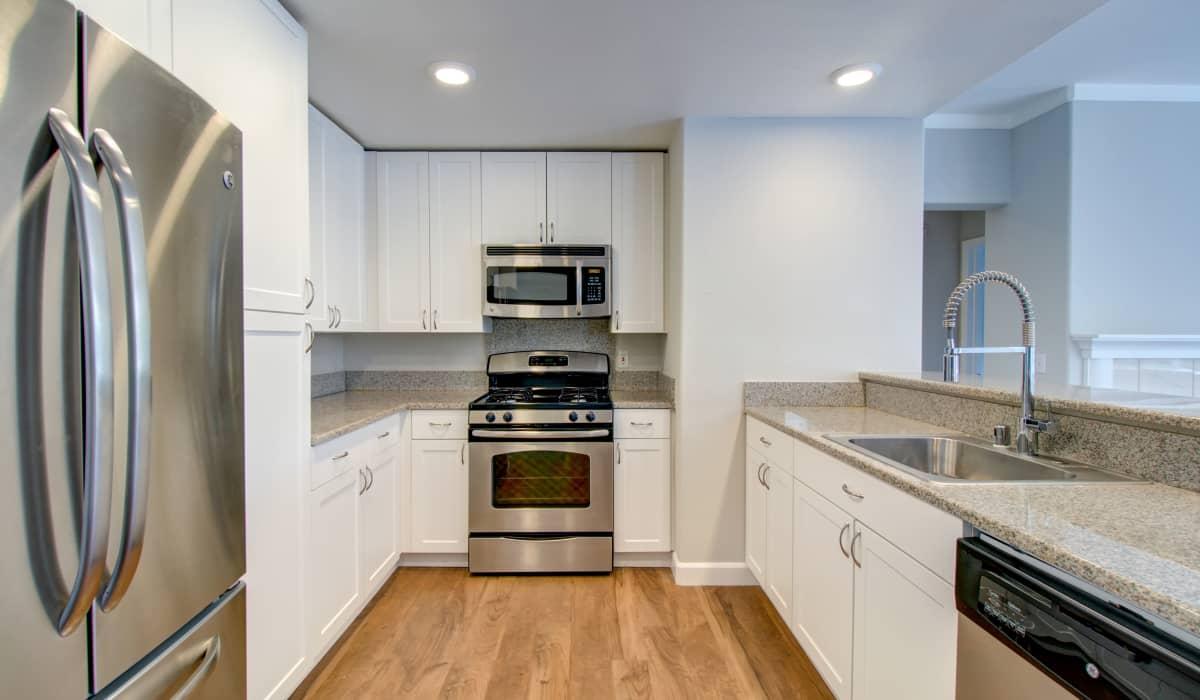Metropolitan Apartment Kitchen