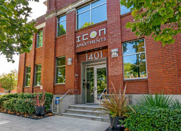 Icon at Park Apartments