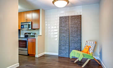 Alderwood Apartment Dining Room