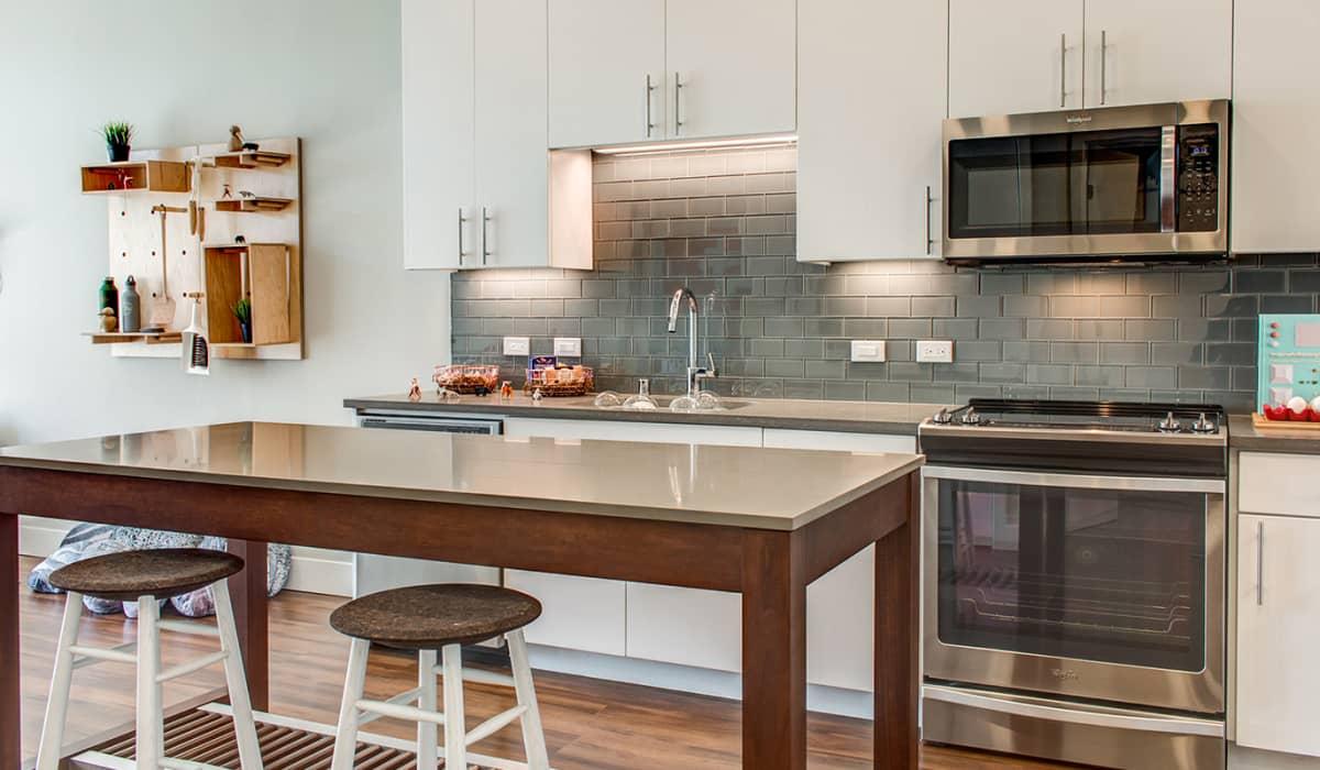 100 Moffett Apartment Kitchen