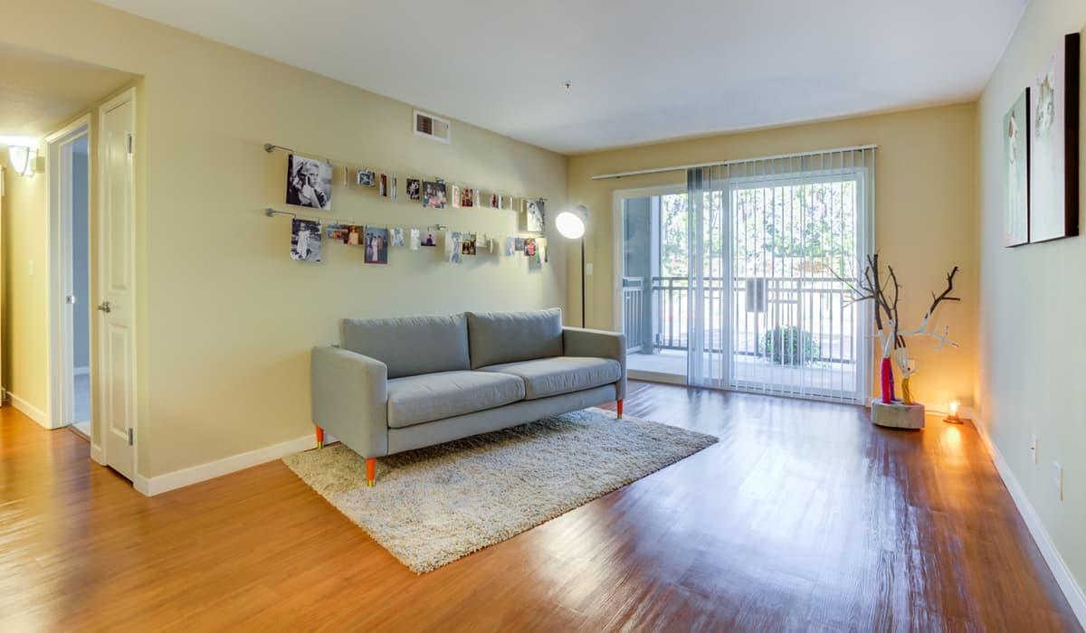 Kensington Place Apartment Living Room