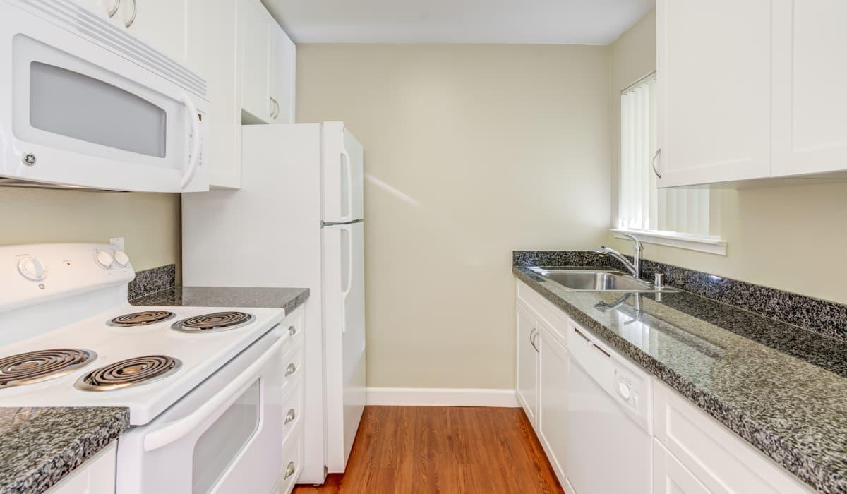 Timberleaf Apartment Kitchen