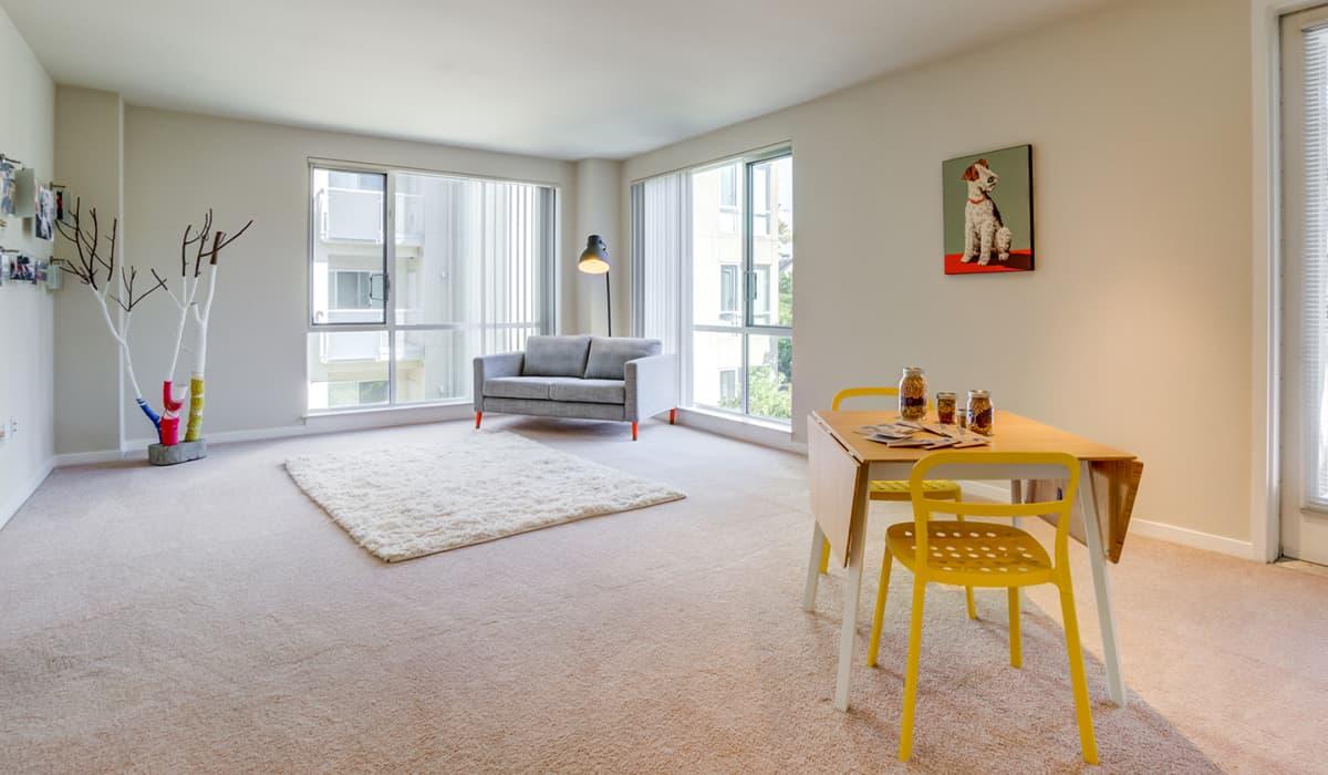 550 Moreland Apartment Living Room