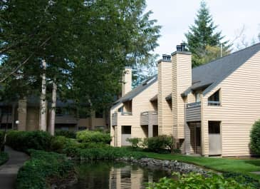 The Lakes Apartments apartments in Bellevue WA to rent photo 1