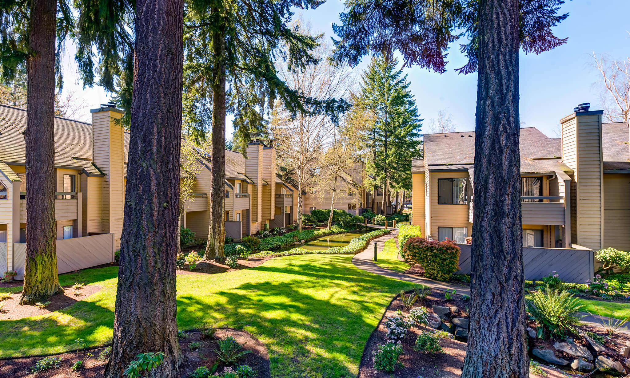 The Lakes Apartments apartments in Bellevue WA to rent photo 2