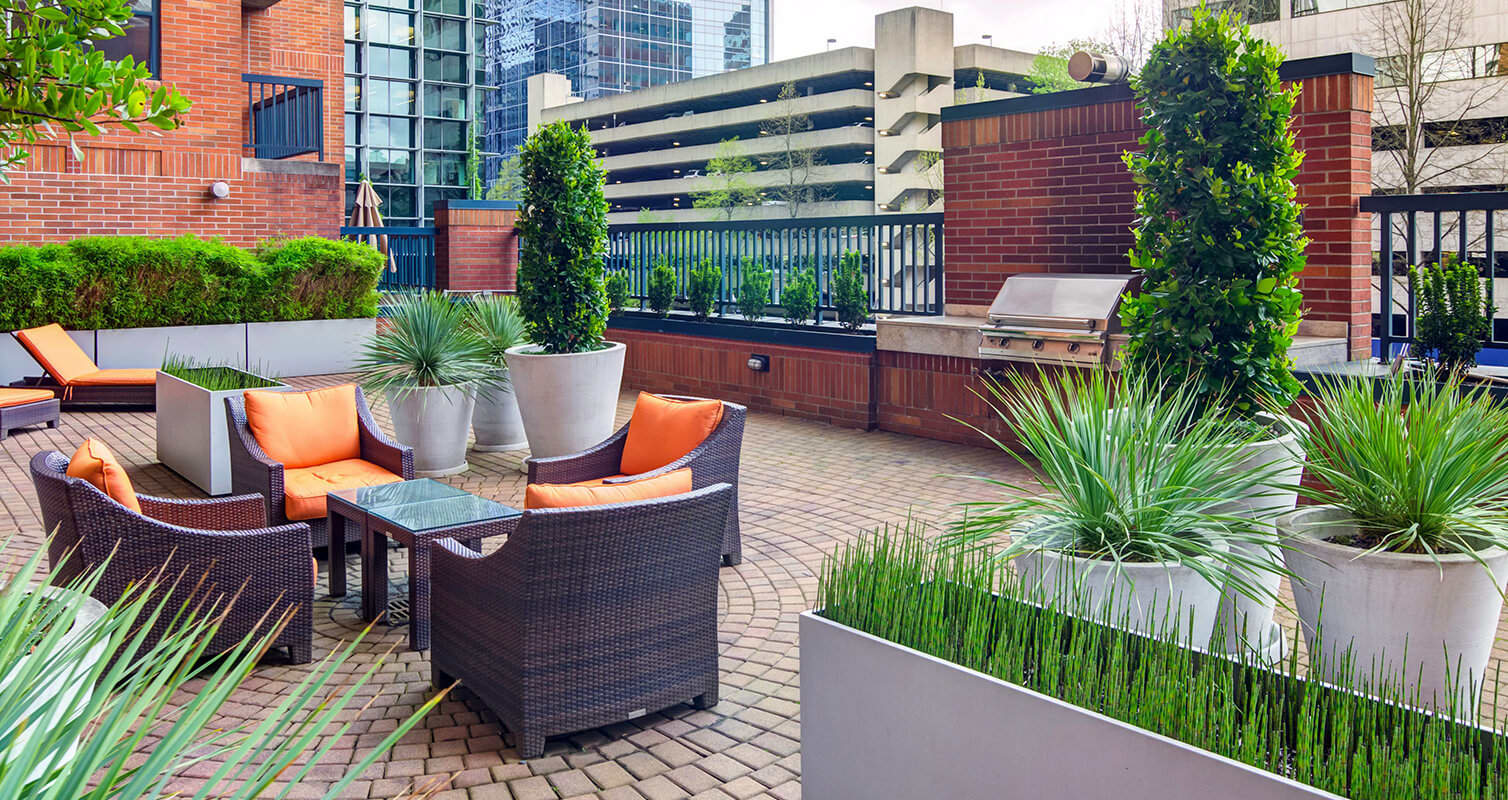 Rooftop lounge with lounge chairs