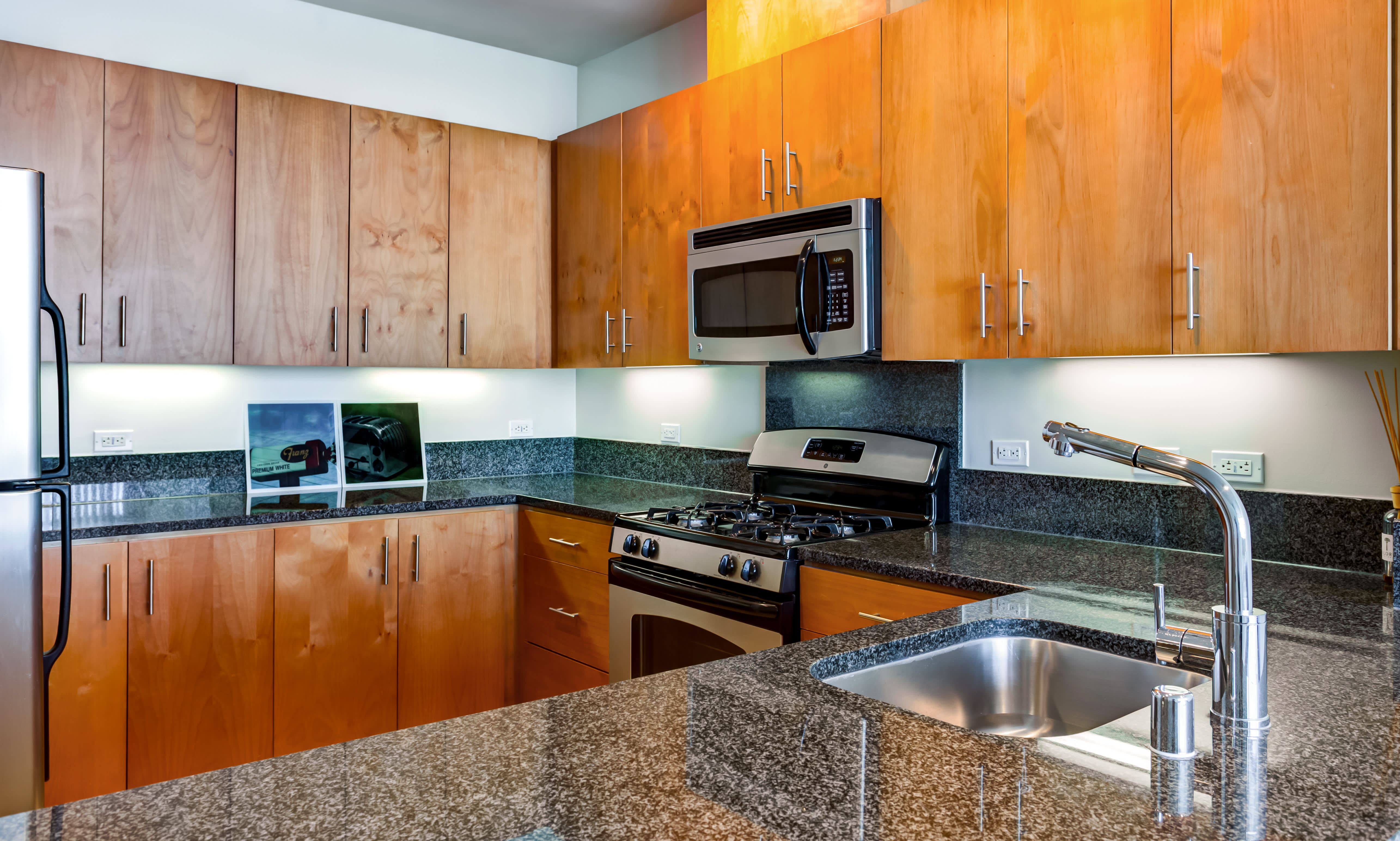 Icon at Park Apartments apartments in Emeryville CA to rent photo 6