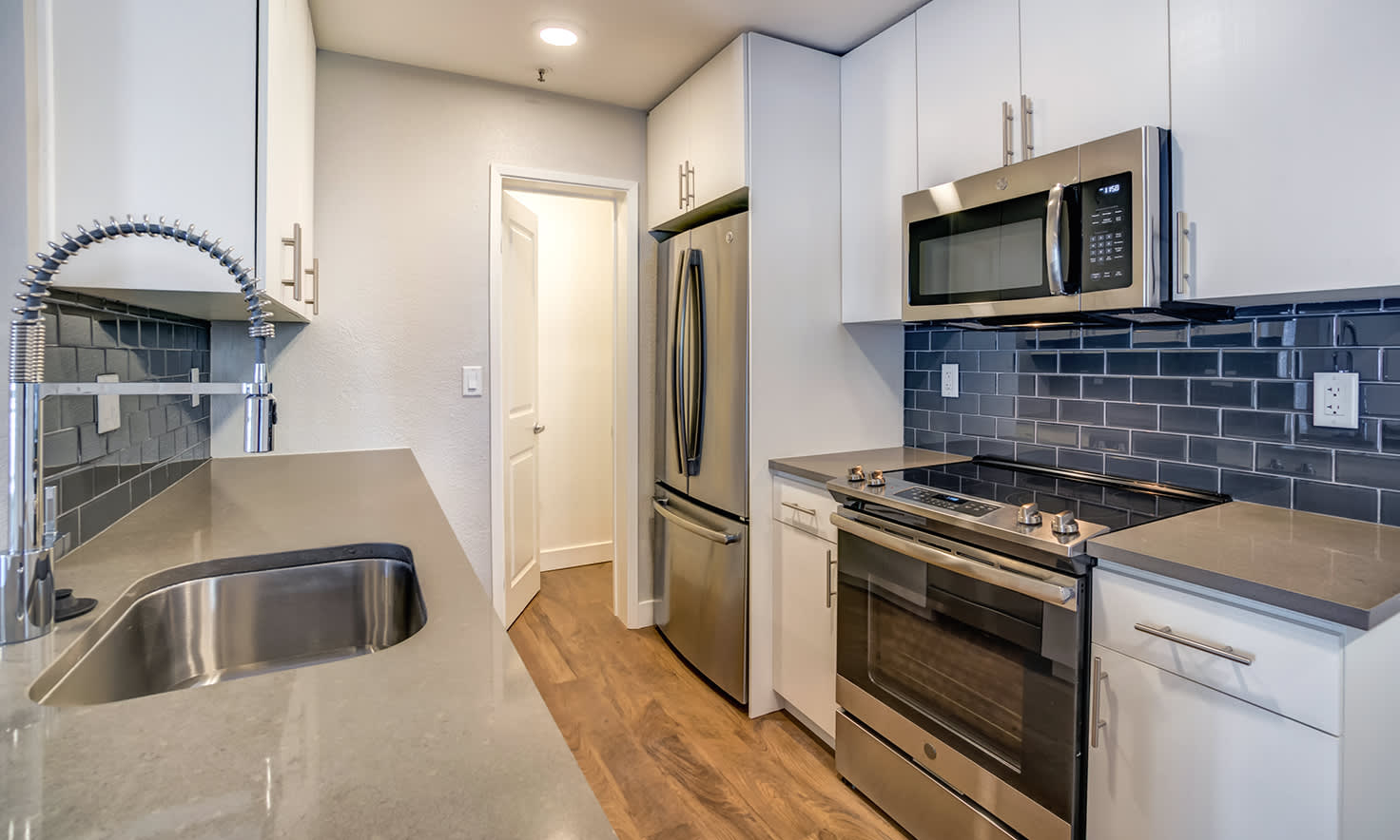 Downtown Mountain View Apartments For Rent | Park Place ...