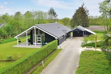 Ferienhaus 4121 • Solbærvangen 11