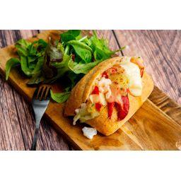ずわい蟹とロブスターのサンドウィッチ