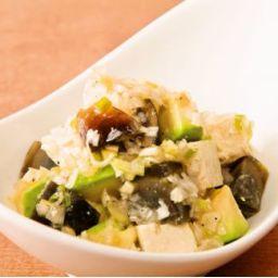 アボカドとピータン豆腐の葱ソース